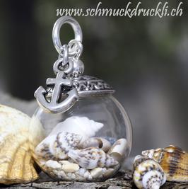 222A kleine Glashohlkugel mit echtem Sand / Muscheln und Anker