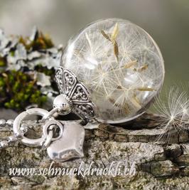 238 kleine Glashohlperle mit echten Pusteblumen und Herzchen
