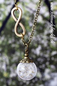 405 kleine Glashohlperle mit echten Pusteblumen, Infinity-Kette bronzefarben