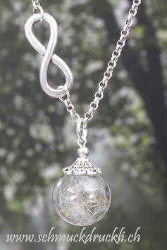 253 kleine Glashohlperle mit echten Pusteblumen, Infinity-Kette