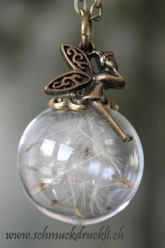 403 grosse Glashohlperle mit echten Pusteblumen und Fee bronze