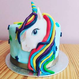 Gâteau Licorne de profil