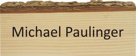 Namensschild mit Baumrinde
