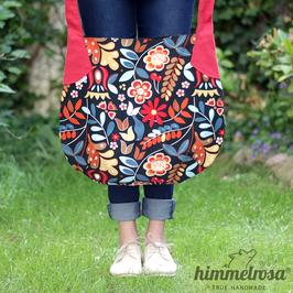 Blumenmuster auf schwarz – Sommertasche