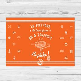 """Commencez la journée en couleur avec le set """"Pêche"""" : En Bretagne, de toute façon, on a toujours la pêche !"""