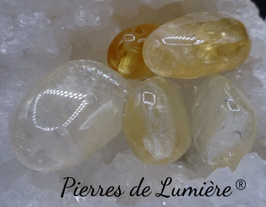Pendentif pierre percée Calcite miel
