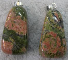 Pendentif pierre roulée Unakite