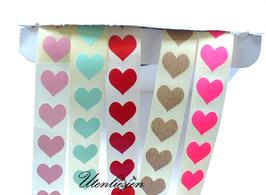 Grundpreis pro Stück = 0,08 € - 25 Aufkleber Herzen 1,5 cm in rosa, mint, rot, pink, Kraftpapier