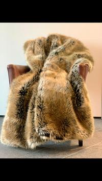 Kuscheldecke Bärenfell