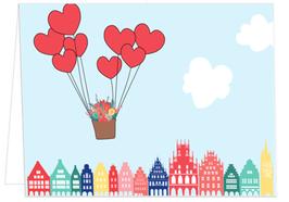 Herzballons mit Giebelhäuser