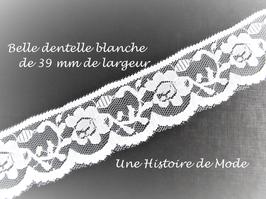 1 mètre de ruban dentelle blanche à fleur 39 mm -  D23