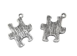 2 Breloques puzzle en métal argenté - 23 x 17 mm