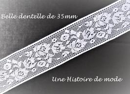 1 mètre de dentelle blanche à fleurs de 35 mm de largeur - D22