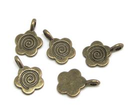 5 Breloques fleur en métal bronze - 15 x 11 mm  TR054