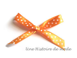 1 mètre de Ruban en satin orange à pois blancs  - 9 mm