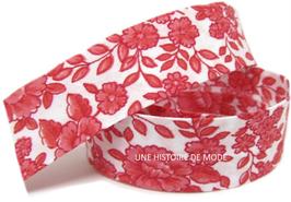 1 mètre de biais blanc à fleurs rouges - 20 mm replié - BZ46C