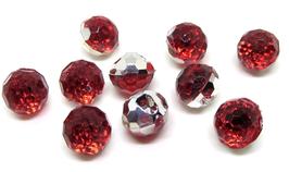 5 boutons boules rouge synthétique et à facettes - 12 mm - BT017