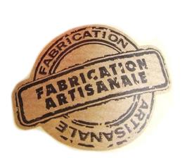 """10 étiquettes autocollantes  """" Fabrication Artisanale """" Esprit vintage 32 x 42 mm"""