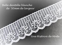 1 mètre de dentelle blanche  -  50 mm -  D116