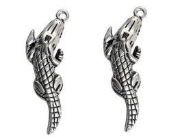 2 Breloques crocodile en métal argenté - 32 x 11 mm - RZZ16