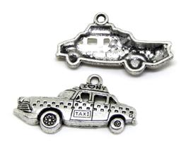 Breloque taxi New York en métal argenté - 33 x 15 mm