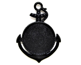 Un Pendentif support cabochon ancre marine en métal noir