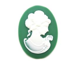 Cabochon camée femme ovale en résine verte - 40 x 30 mm  - CCW57