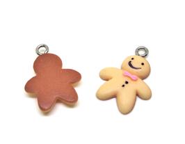 2 Breloques biscuit de Noel en résine - 21 x 16 mm