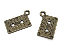 2 Breloques cassette audio en métal bronze - 23 x 12 mm - RZZ138