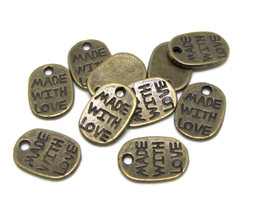 "10 Breloques gravées "" MADE WITH LOVE "" bronze  - TR048"