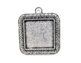 Support cabochon carré en métal argenté  ± 33 x 29 mm