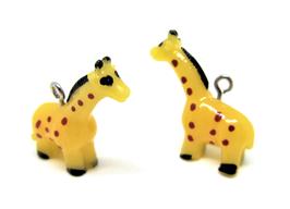 Breloque girafe 3D en résine  - 25 x 26 mm