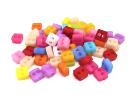 50 mini boutons carrés acrylique - 5 mm - BT103
