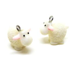 Breloque mouton 3D en résine  - 17 x 20 mm