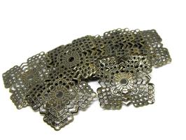 10 estampes filigrane carrées en métal bronze - 22 x 22 mm - E12