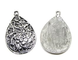 2 breloques ethnique goutte en métal argenté - 32 x 22 mm