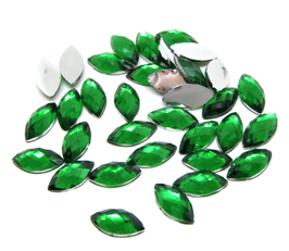 50 cabochons strass verts ovales en synthétique  - 10 x 5 mm - CCW53