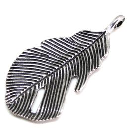 Breloque plume en métal argenté - 44 x 22 mm -  RZZ96