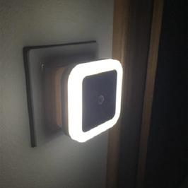 LED LICHT | Wandlicht | Steckdosenlicht | Light | weiß | 6,5x6,5x4,5cm | Sensor