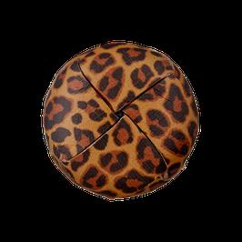 Leren ronde achtersteek knoop met luipaardprint van gerecycled materiaal.