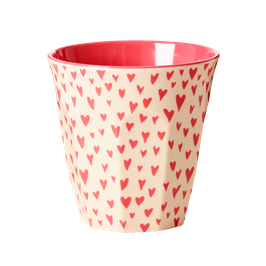 Medium Melamine Cup - Small Sweet Hearts Print von RICE
