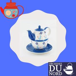 "tea for one "" bleu"" motif"