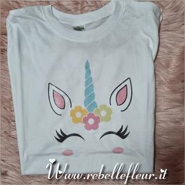 Tshirt unicorno con fiori
