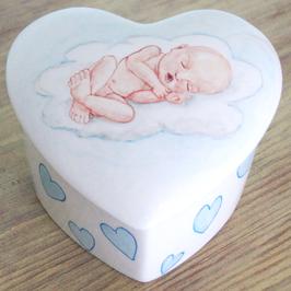 Hartvormige Mini urn voor baby of prematuur op wolk