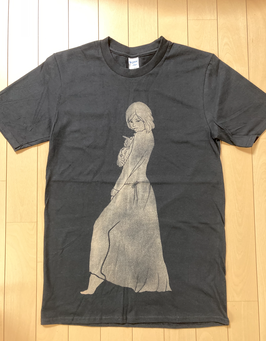 『彼女は夢で踊る』Tシャツ(ゴールド)