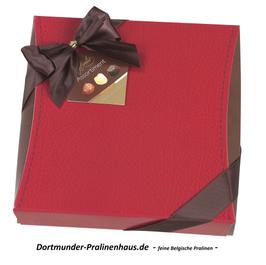 250g Belgische Pralinen im Geschenkkarton in Lederoptik -rot- mit Satin-Schleife