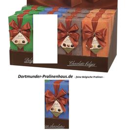 250g Belgische Pralinen im Geschenkkarton in edlem blaufarbigen Geschenkpapier mit Satin-Schleife
