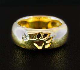 Gewölbter Ring mit Pfötchen & Zirkonia: GMH-248gp
