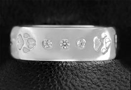 Ring mit 3 Zirkonias & Pfoten: GMH-403s