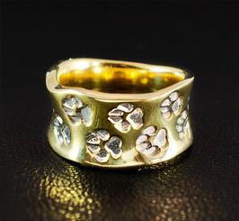Ring mit umlaufenden Pfötchen : GMH-309sg